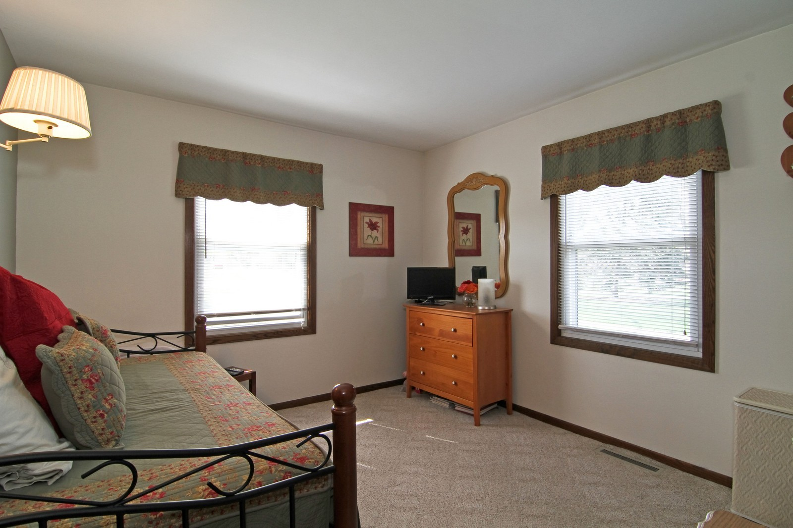 Real Estate Photography - 4605 Woodward Ave, Downers Grove, IL, 60515 - Bedroom