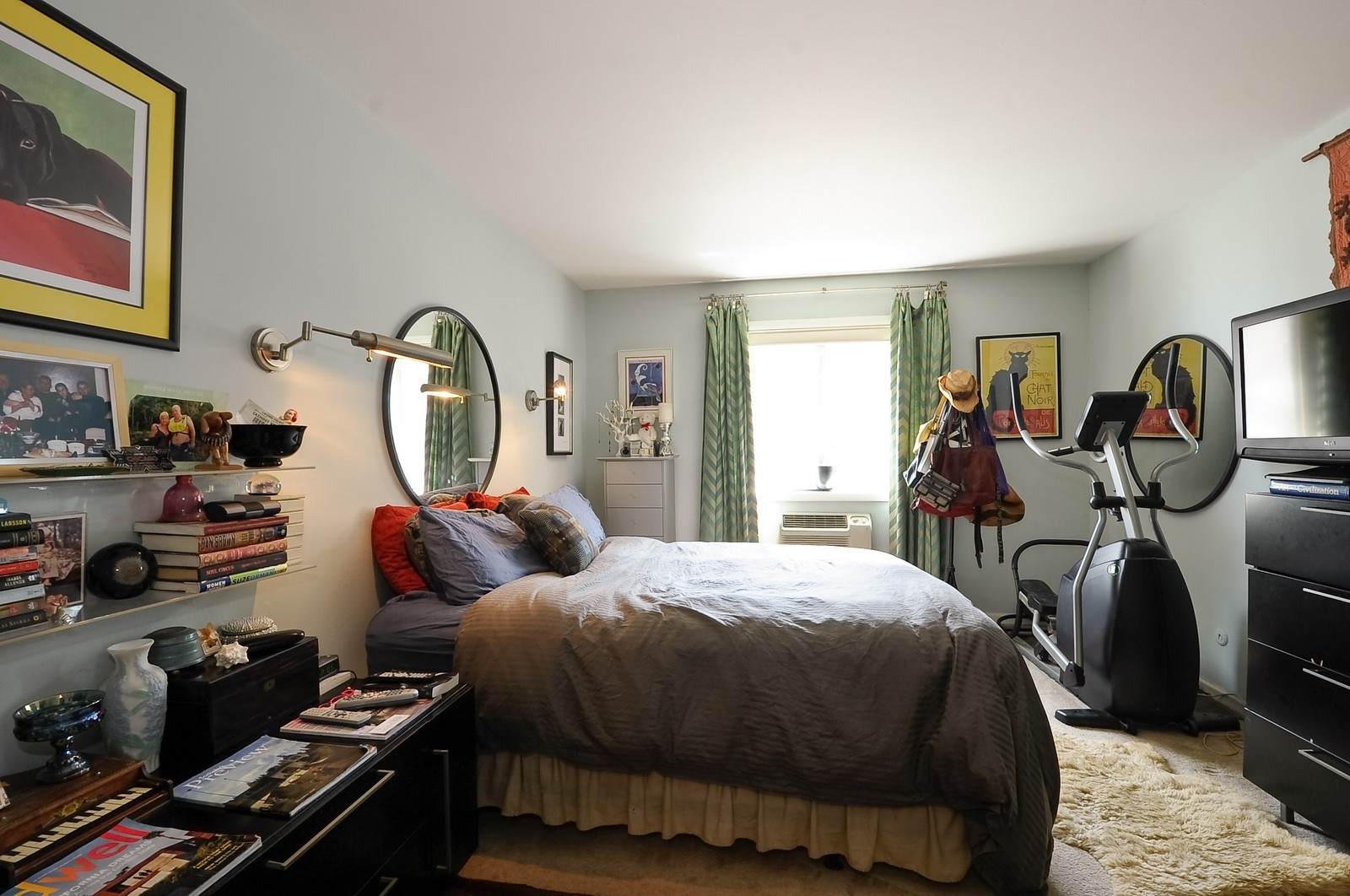 Real Estate Photography - 1321 W. Birchwood Avenue, Unit 308, Chicago, IL, 60626 - Bedroom