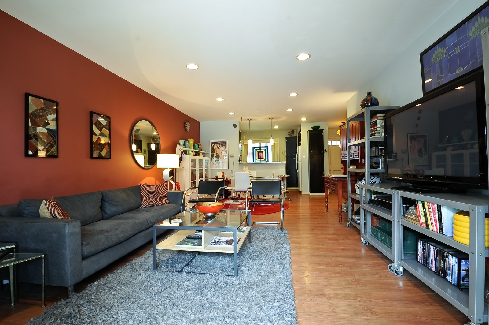 Real Estate Photography - 1321 W. Birchwood Avenue, Unit 308, Chicago, IL, 60626 - Great Room