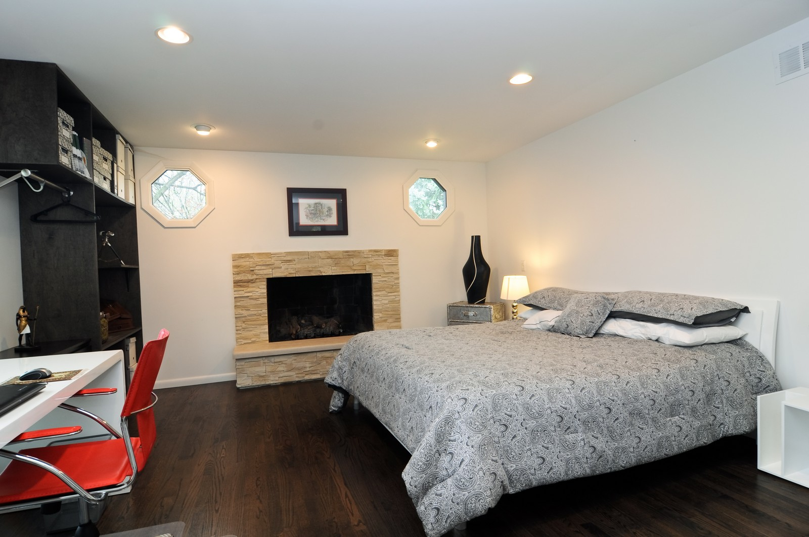 Real Estate Photography - 618 Hill St, Barrington, IL, 60010 - 2nd Bedroom