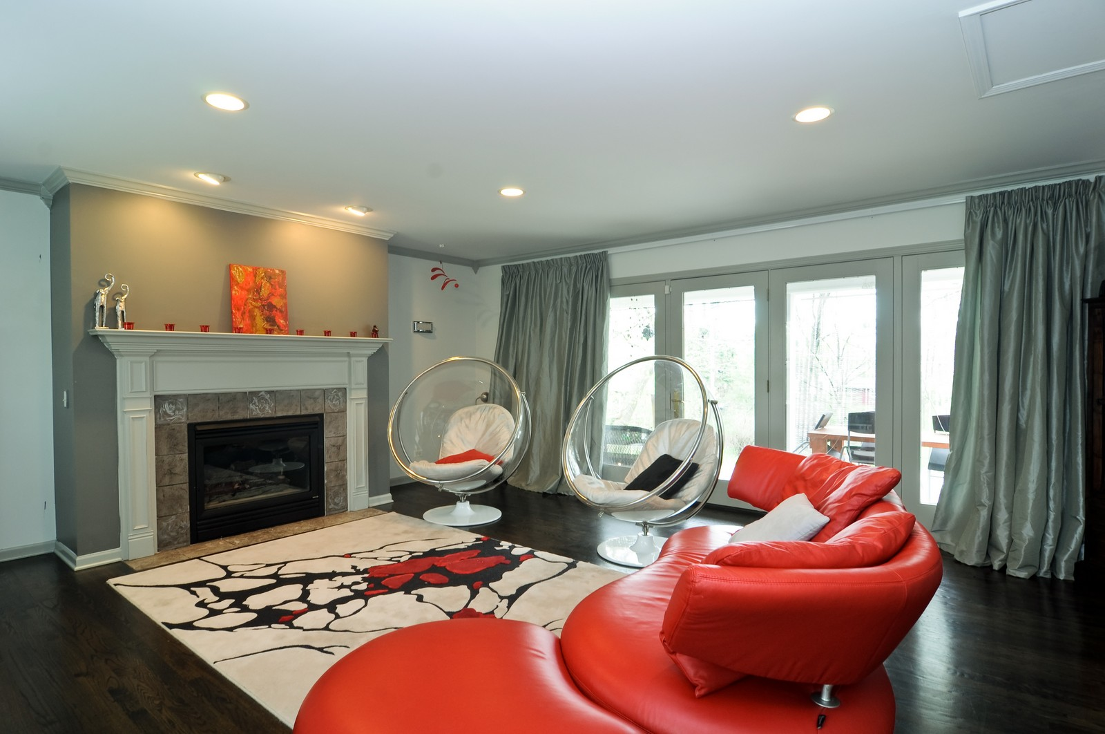 Real Estate Photography - 618 Hill St, Barrington, IL, 60010 - Family Room