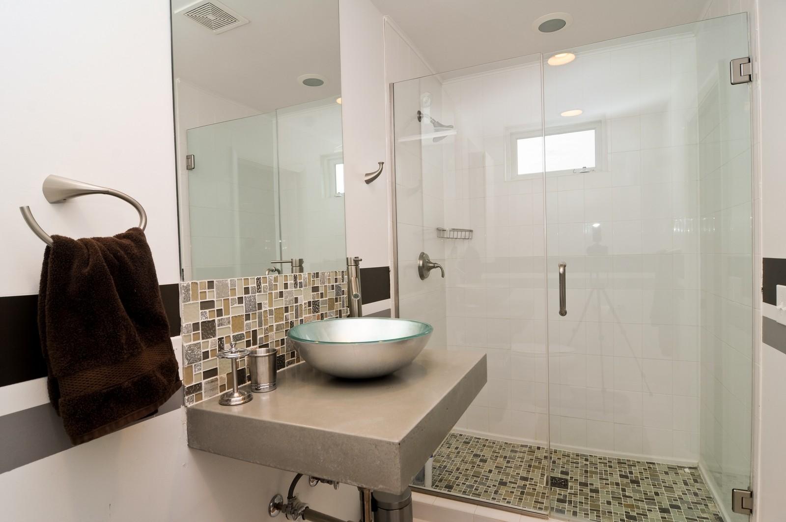 Real Estate Photography - 618 Hill St, Barrington, IL, 60010 - Bathroom