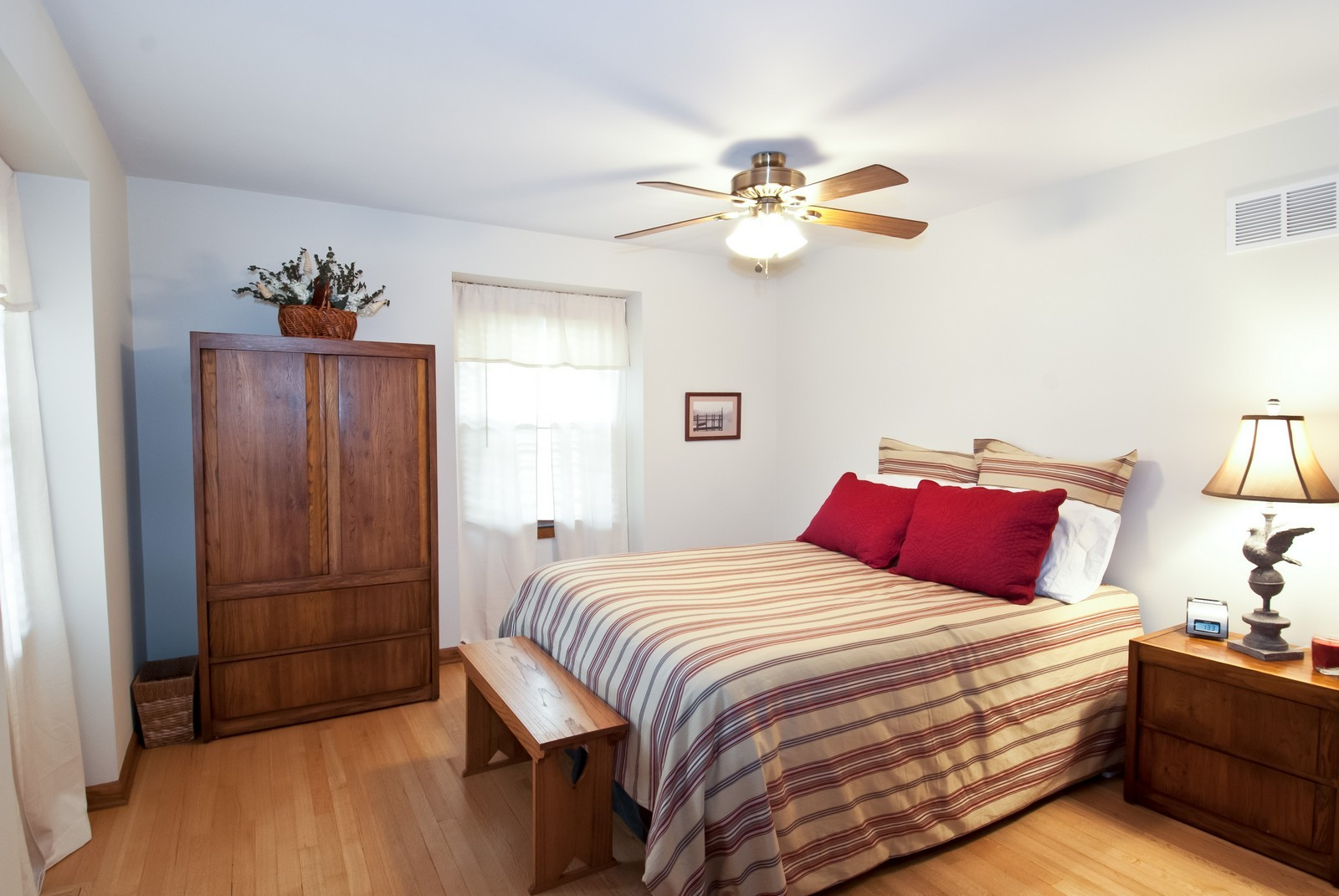 Real Estate Photography - 342 Eastern Ave, Unit 342, Barrington, IL, 60010 - 2nd Bedroom