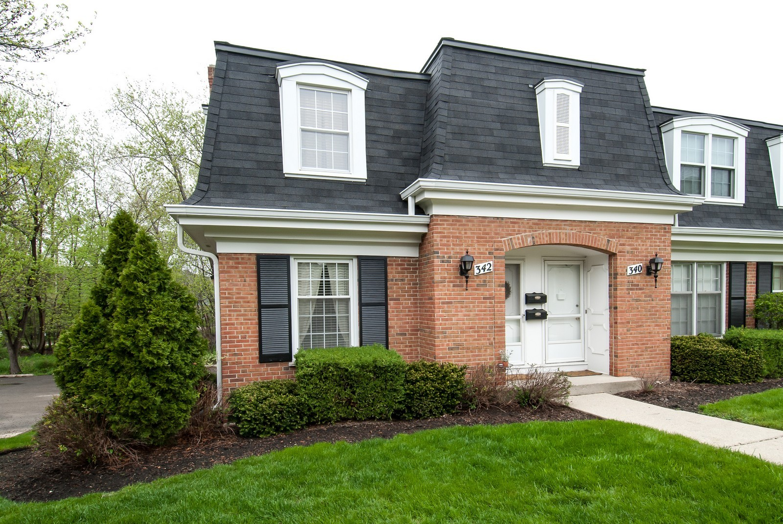 Real Estate Photography - 342 Eastern Ave, Unit 342, Barrington, IL, 60010 - Front View