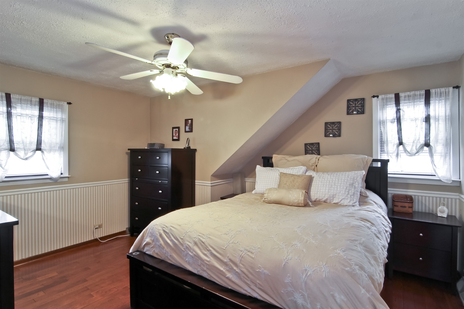 Real Estate Photography - 4244 N Lindley St, Downers Grove, IL, 60515 - Master Bedroom