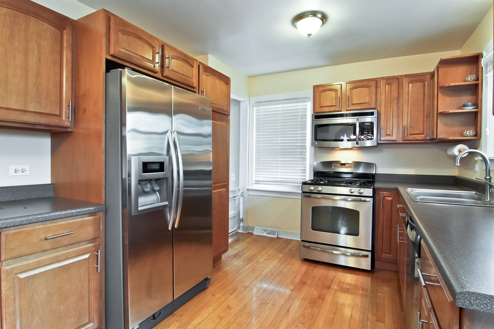 Real Estate Photography - 4244 N Lindley St, Downers Grove, IL, 60515 - Kitchen 1