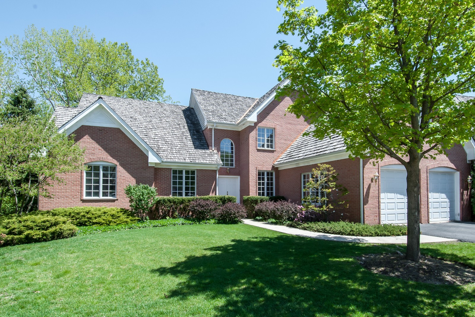 Real Estate Photography - 37 Graystone Ln, North Barrington, IL, 60010 - Front View