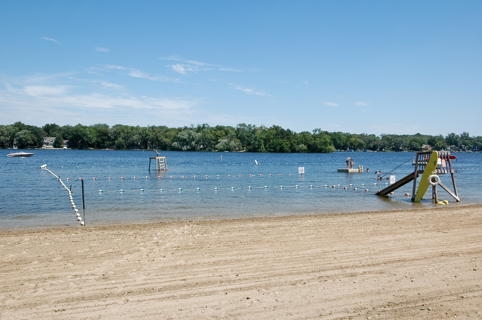 Real Estate Photography - 139 Edgewater Dr, Crystal Lake, IL, 60014 - Beach
