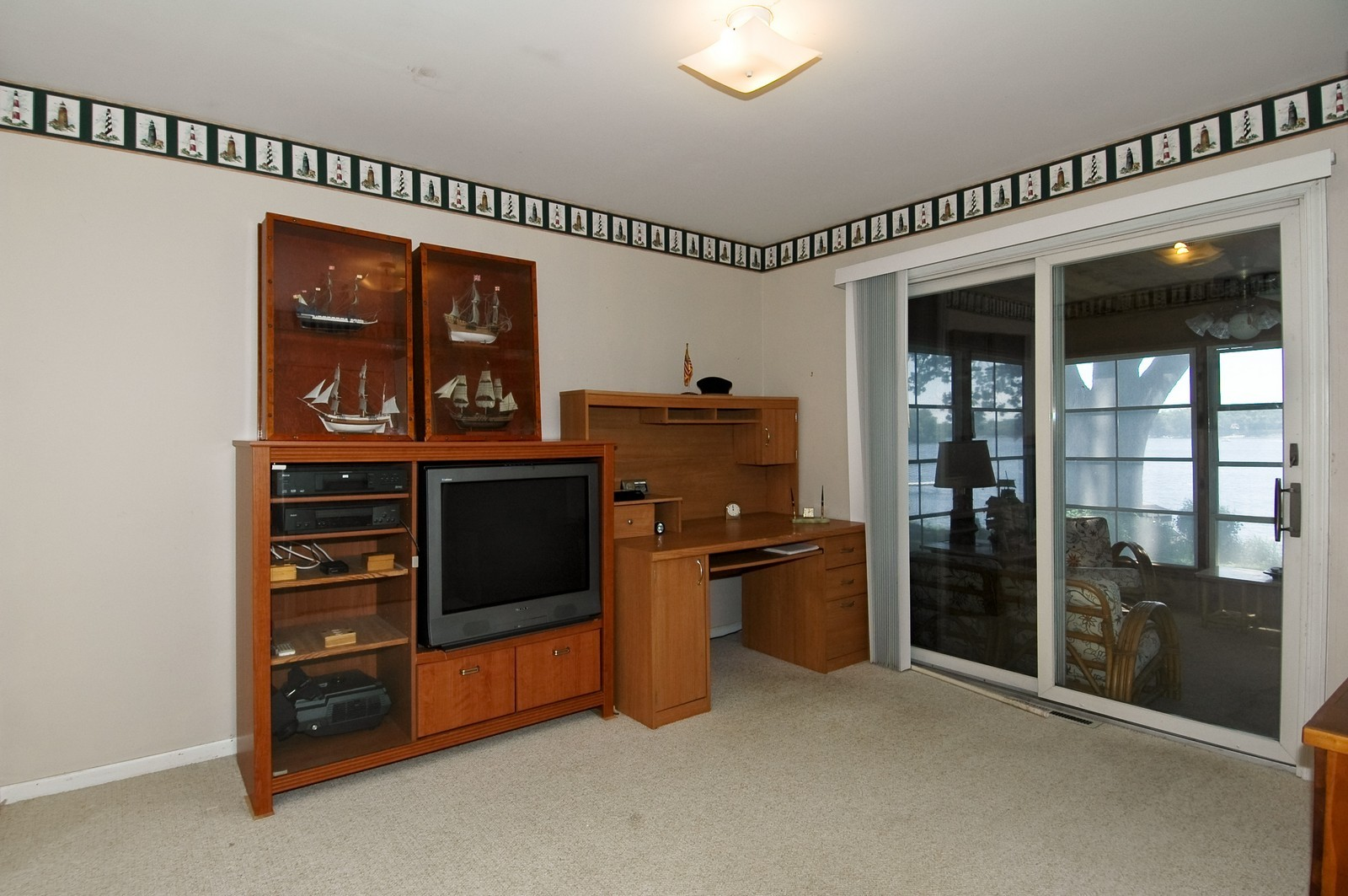 Real Estate Photography - 139 Edgewater Dr, Crystal Lake, IL, 60014 - Den