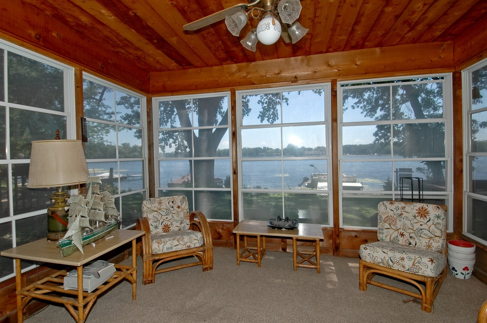Real Estate Photography - 139 Edgewater Dr, Crystal Lake, IL, 60014 - Porch