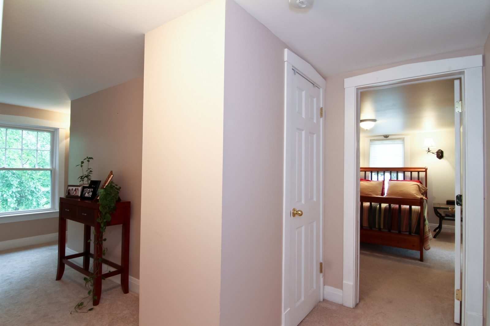 Real Estate Photography - 4701 Cumnor Rd, Downers Grove, IL, 60515 - 2nd Floor Corridor