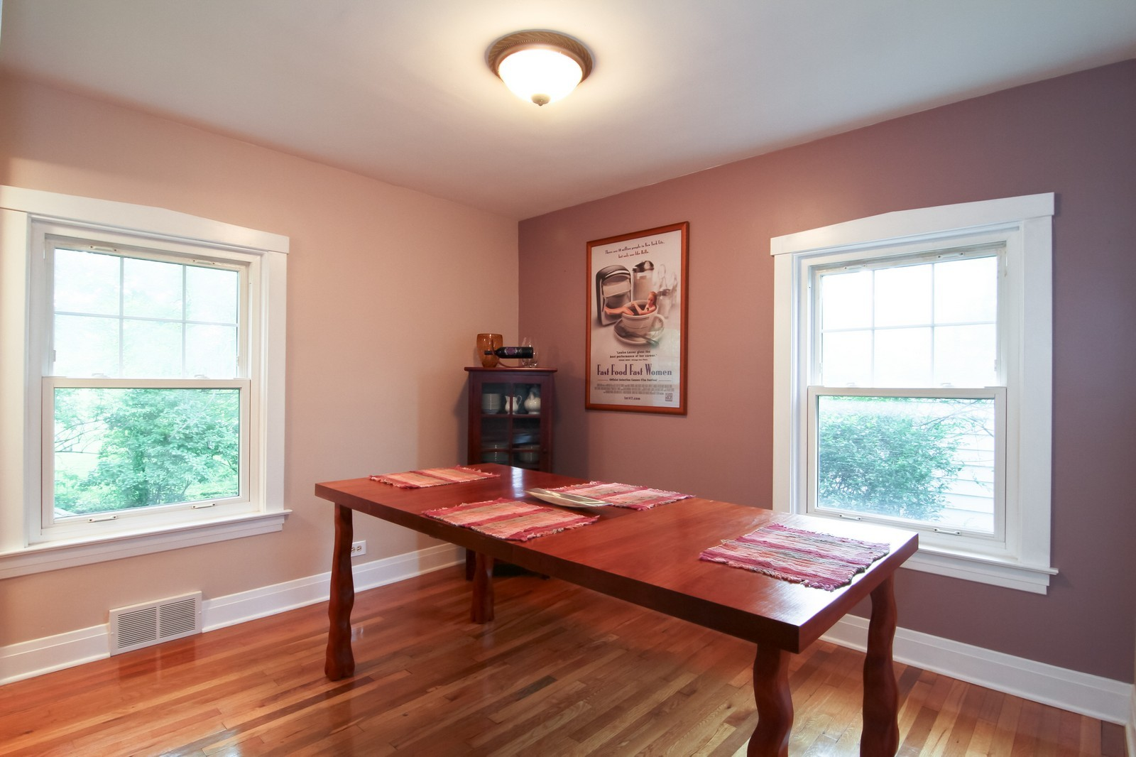 Real Estate Photography - 4701 Cumnor Rd, Downers Grove, IL, 60515 - Dining Room