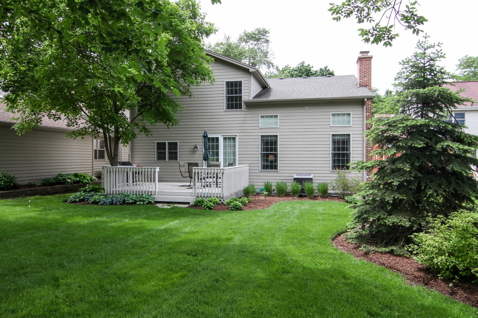 Real Estate Photography - 4915 Stanley Ave, Downers Grove, IL, 60515 - Rear View