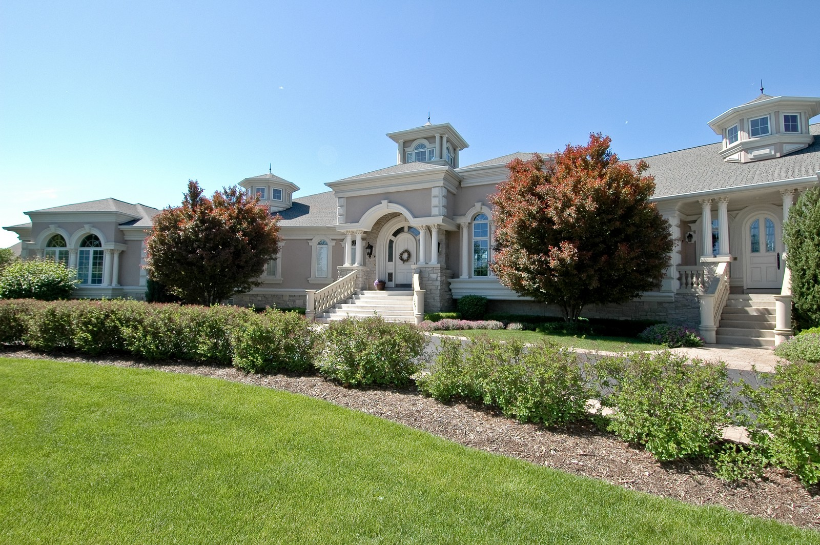 Real Estate Photography - 9408 N Muirfield Ct, Lakewood, IL, 60014 - Front View