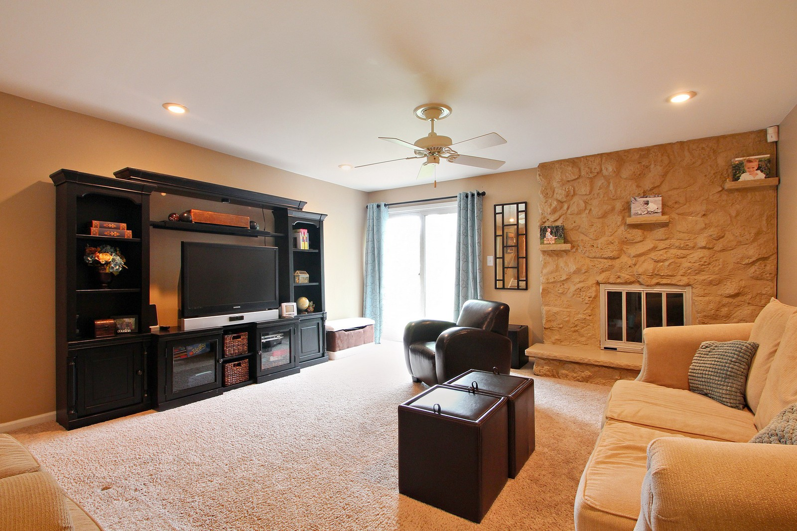 Real Estate Photography - 1040 62nd Pl, Downers Grove, IL, 60516 - Family Room