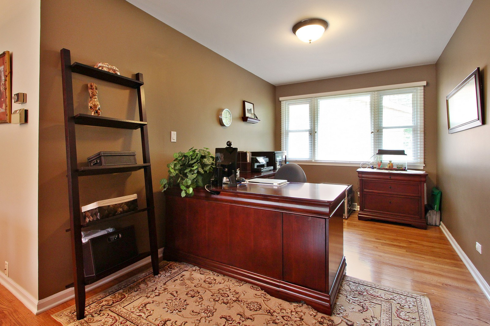 Real Estate Photography - 1040 62nd Pl, Downers Grove, IL, 60516 - Office