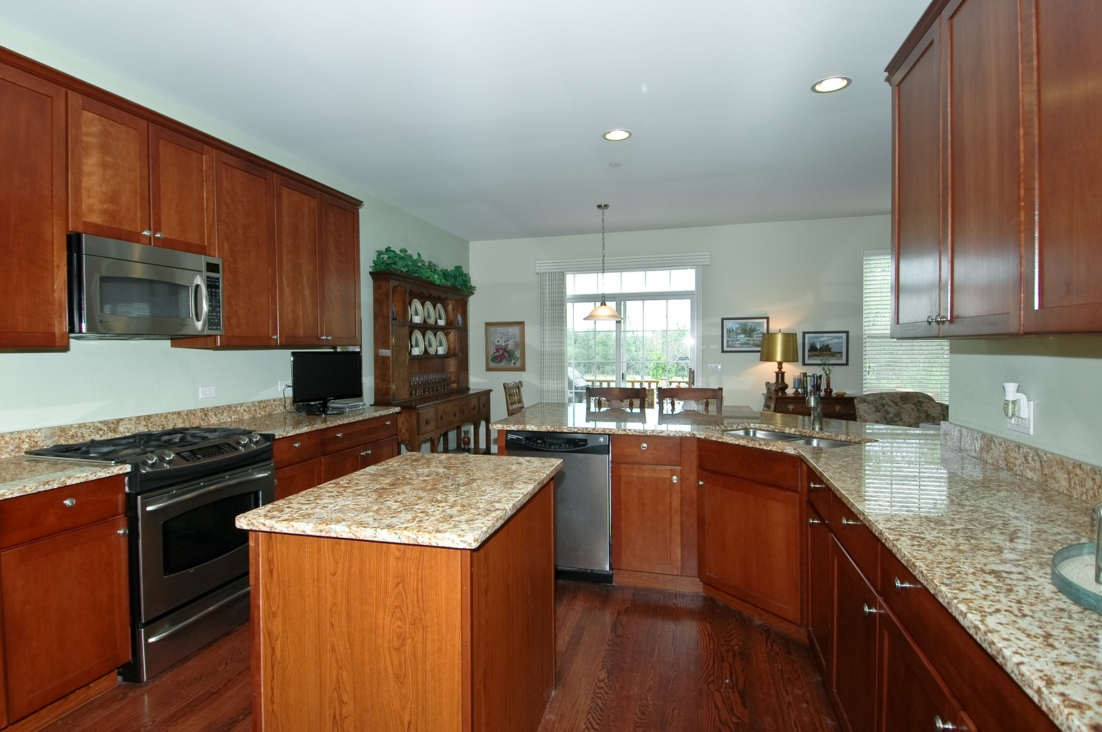 Real Estate Photography - 21899 W Tori Ln, Deer Park, IL, 60010 - Kitchen