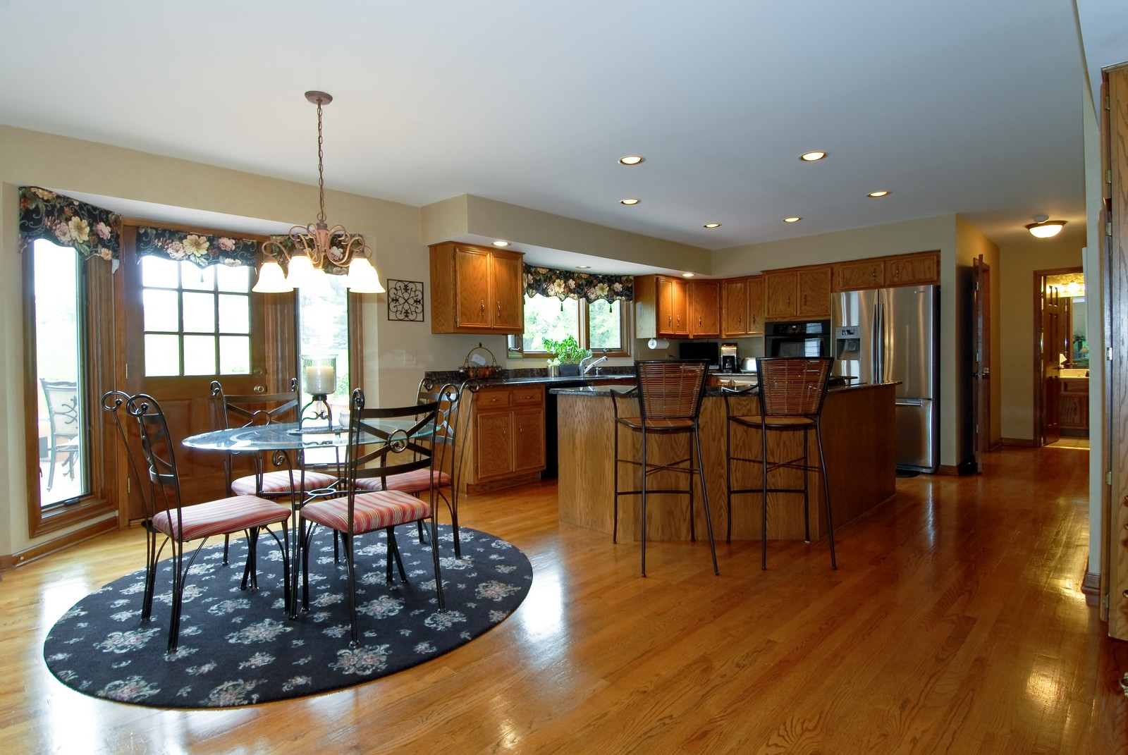 Real Estate Photography - 3942 Broadmoor Circle, Naperville, IL, 60564 - Kitchen / Breakfast Room