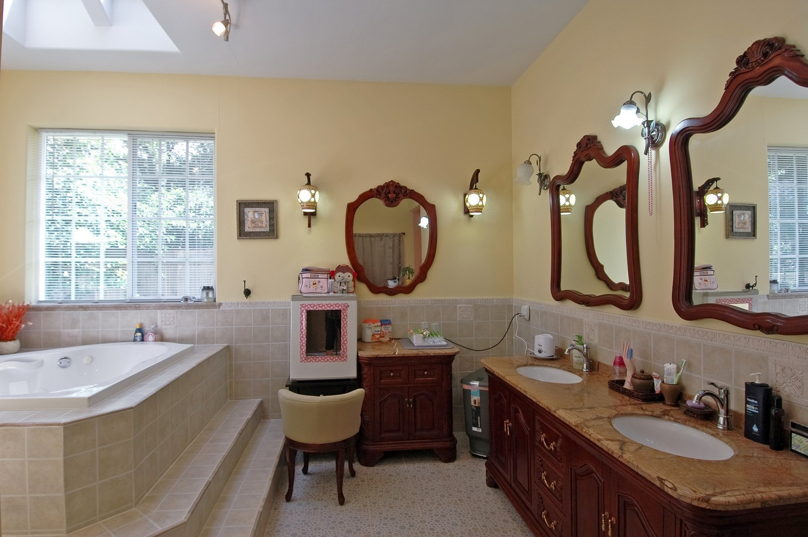 Real Estate Photography - 10N875 Belmont St, Elgin, IL, 60120 - Master Bathroom