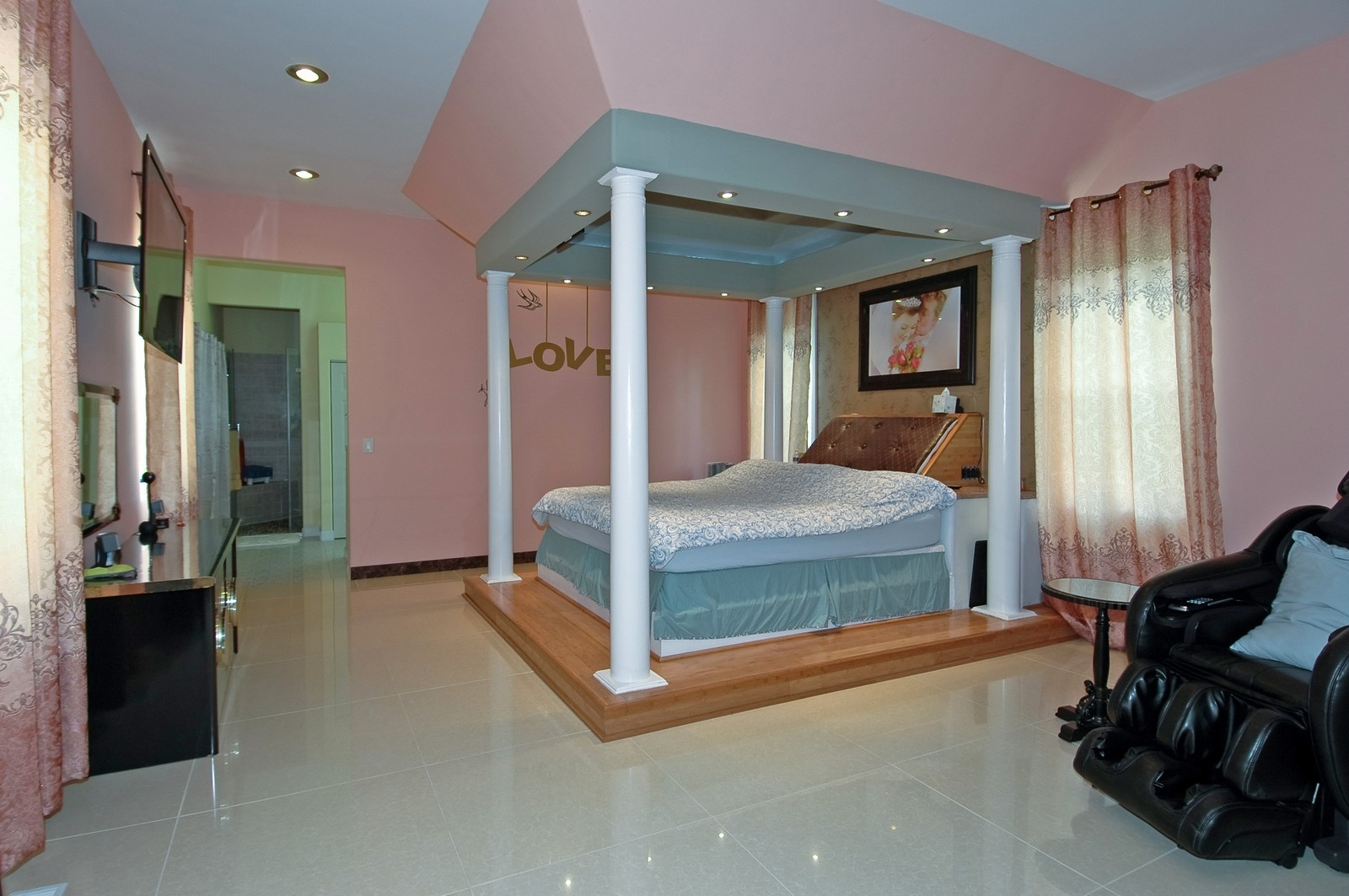 Real Estate Photography - 10N875 Belmont St, Elgin, IL, 60120 - Master Bedroom