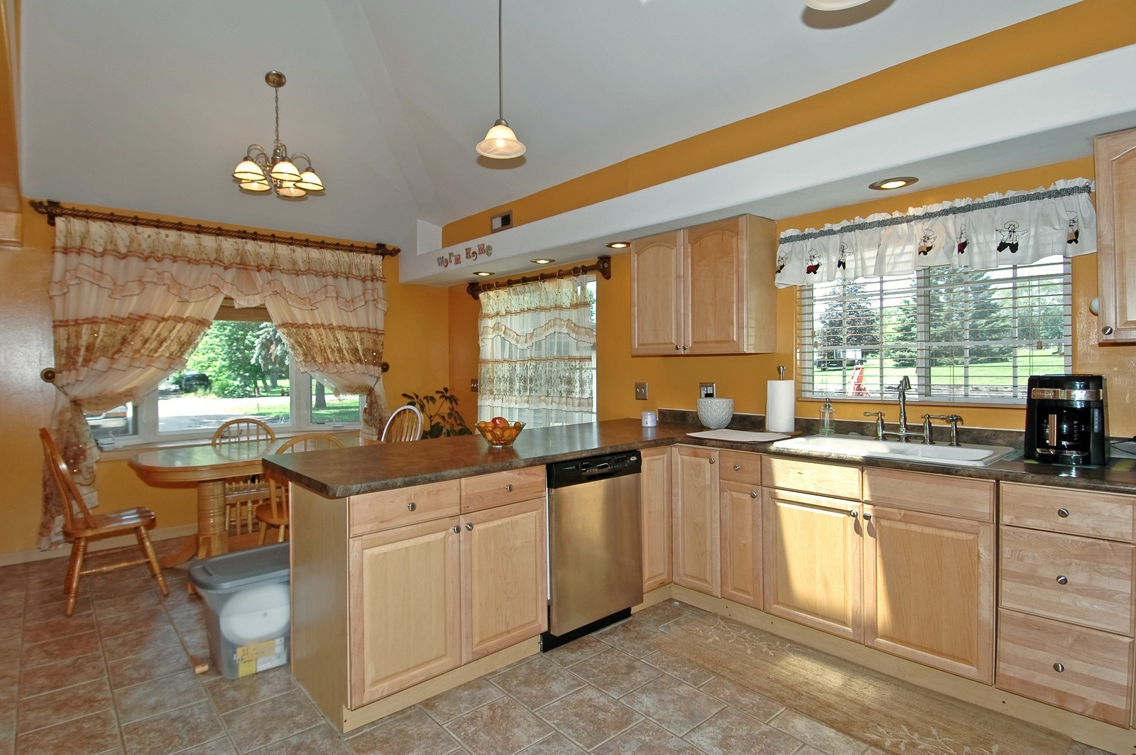 Real Estate Photography - 10N875 Belmont St, Elgin, IL, 60120 - Kitchen