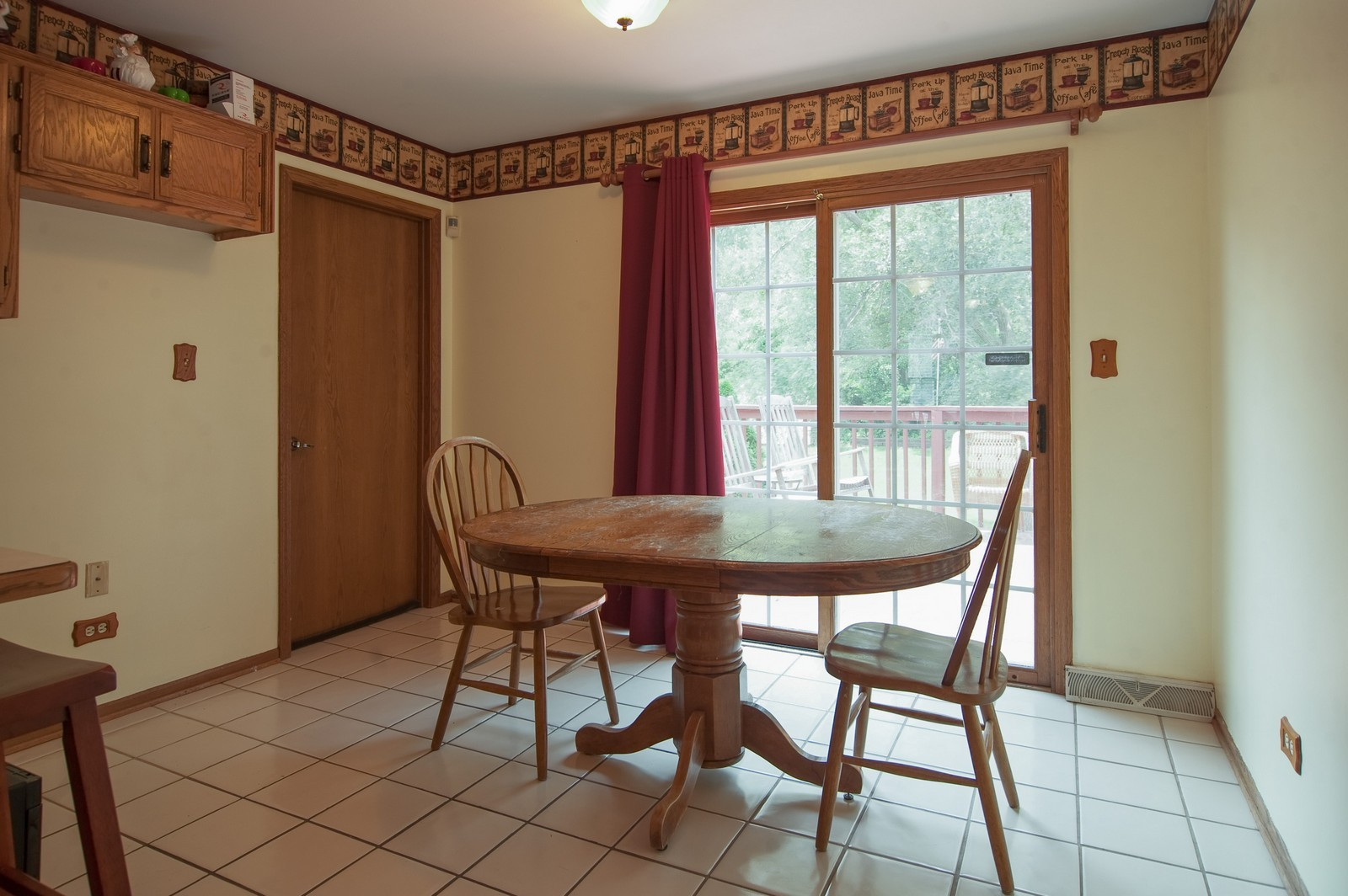 Real Estate Photography - 22816 S Michael Dr, Channahon, IL, 60410 - Breakfast Area