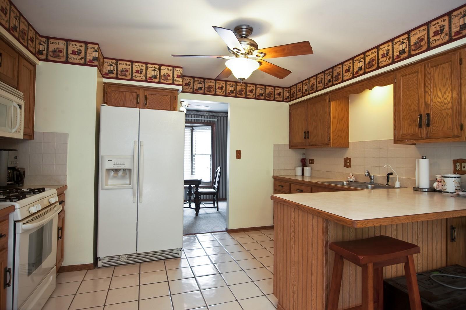 Real Estate Photography - 22816 S Michael Dr, Channahon, IL, 60410 - Kitchen