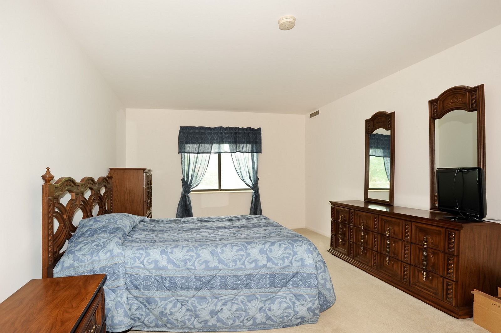 Real Estate Photography - 1105 N Mill St, Unit 217, Naperville, IL, 60563 - Master Bedroom