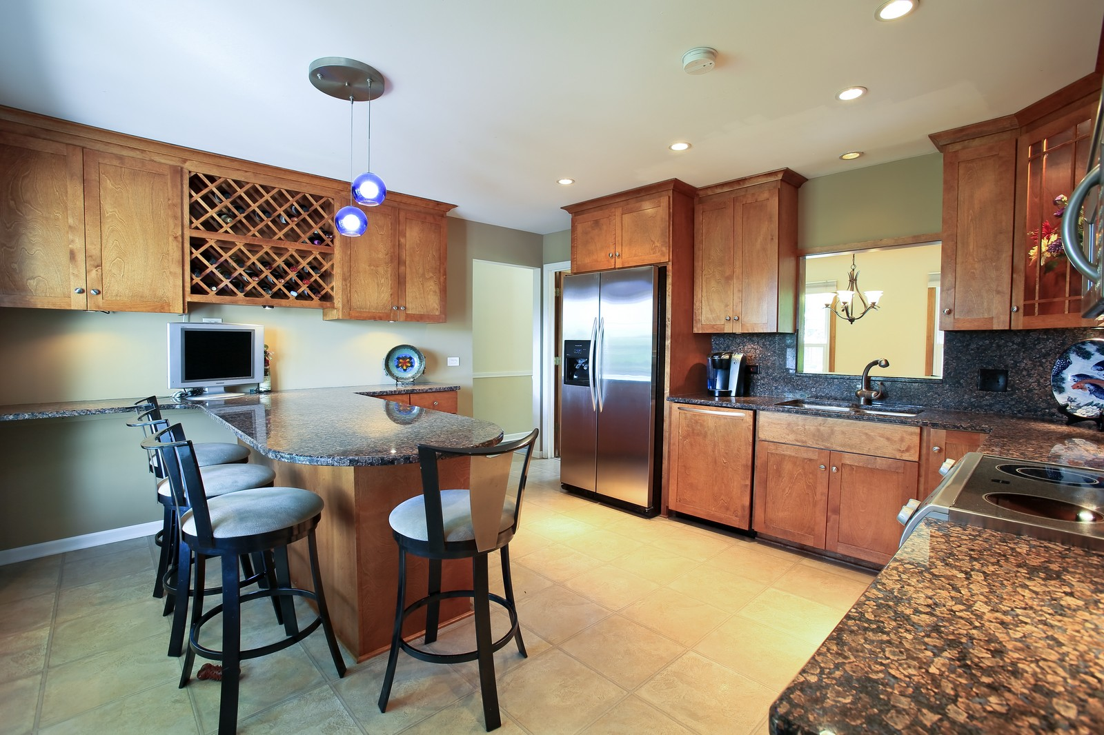 Real Estate Photography - 720 61st St, Downers Grove, IL, 60516 - Kitchen