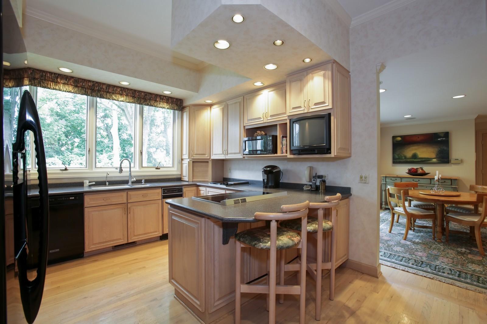 Real Estate Photography - 25W445 Plamondon Rd, Wheaton, IL, 60189 - Kitchen