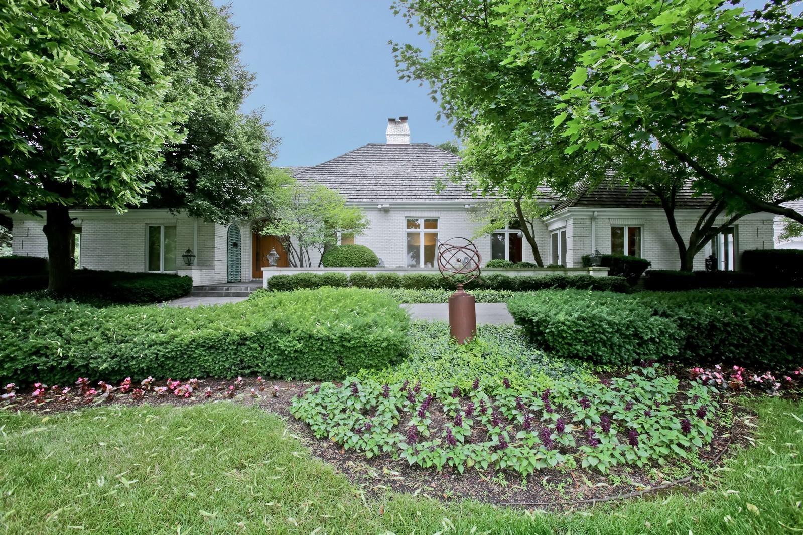 Real Estate Photography - 25W445 Plamondon Rd, Wheaton, IL, 60189 - Front View
