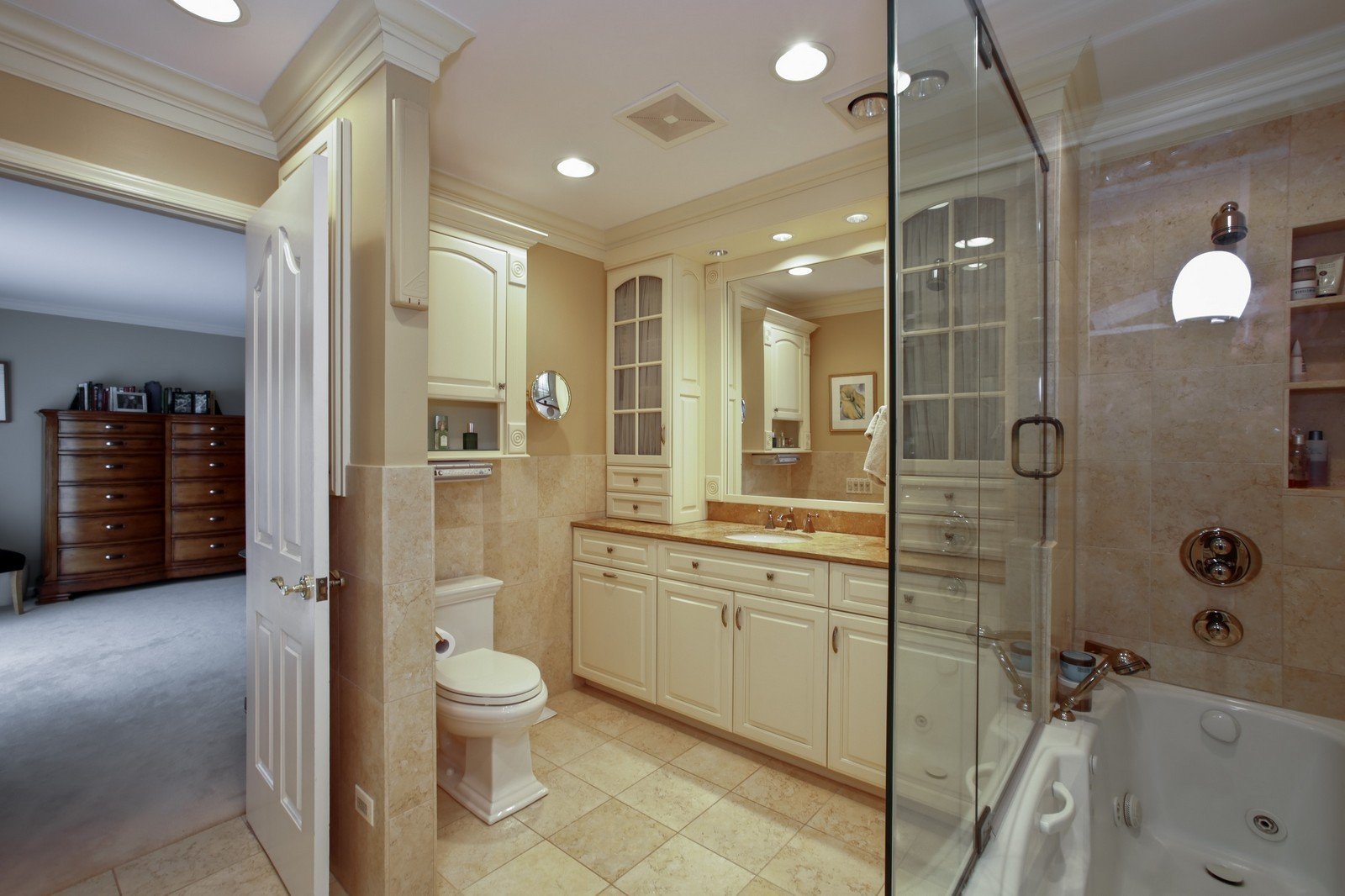 Real Estate Photography - 25W445 Plamondon Rd, Wheaton, IL, 60189 - Master Bath - Hers