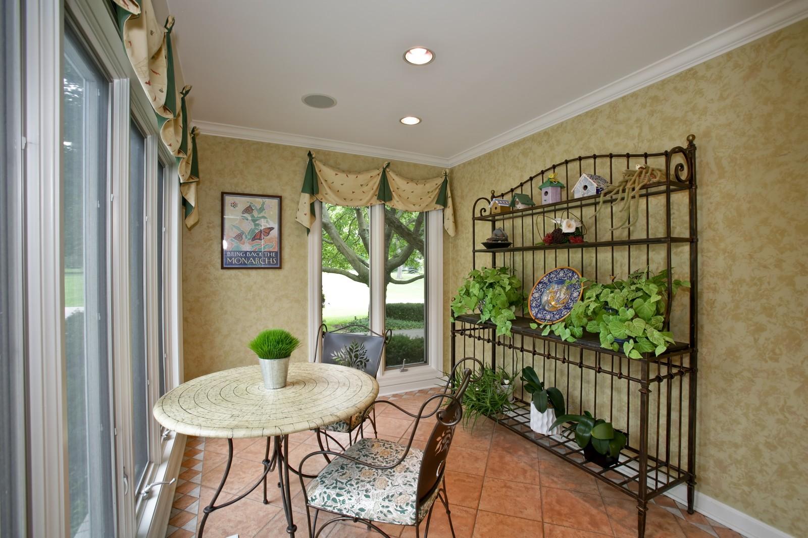 Real Estate Photography - 25W445 Plamondon Rd, Wheaton, IL, 60189 - Back Hall Sun Room