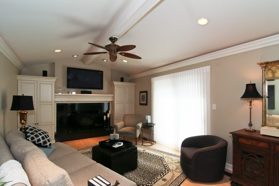 Real Estate Photography - 20W431 Havens Ct, Downers Grove, IL, 60516 - Family Room