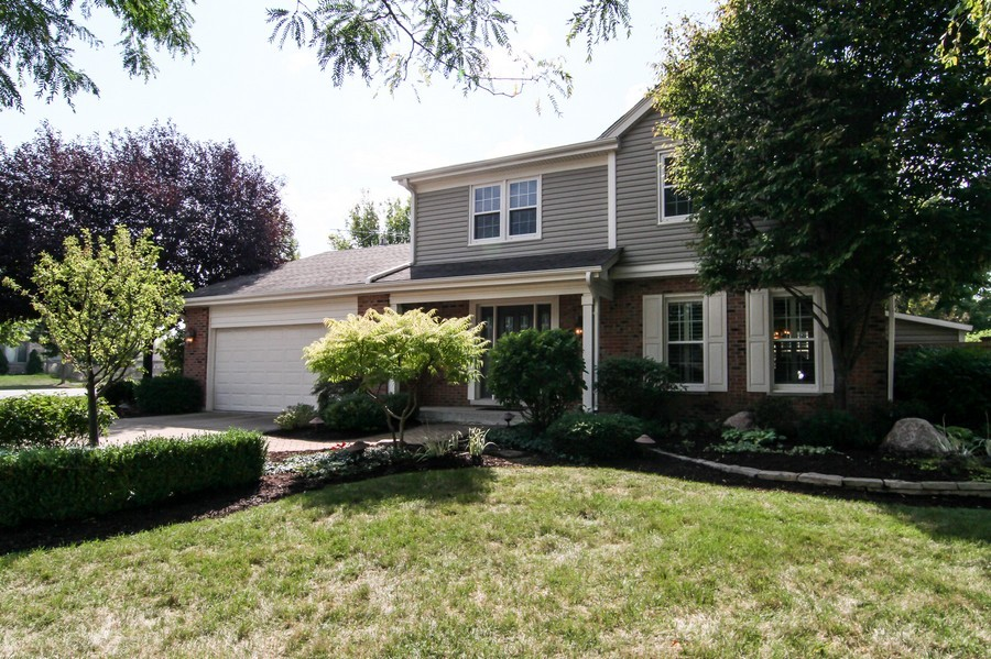 Real Estate Photography - 20W431 Havens Ct, Downers Grove, IL, 60516 - Front View