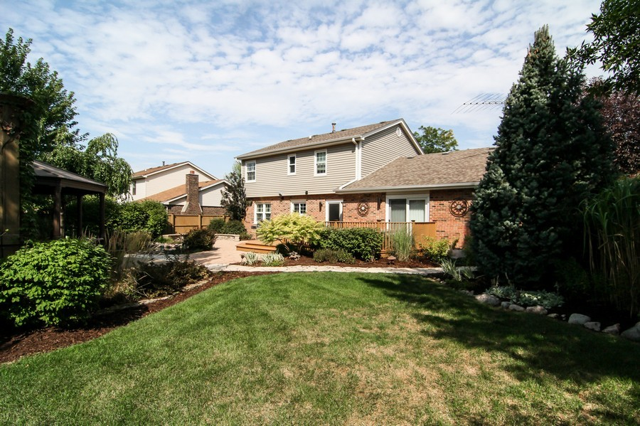 Real Estate Photography - 20W431 Havens Ct, Downers Grove, IL, 60516 - Rear View