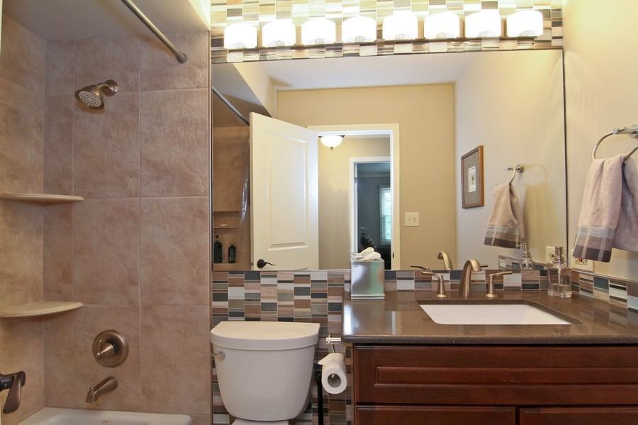 Real Estate Photography - 20W431 Havens Ct, Downers Grove, IL, 60516 - 2nd Bathroom