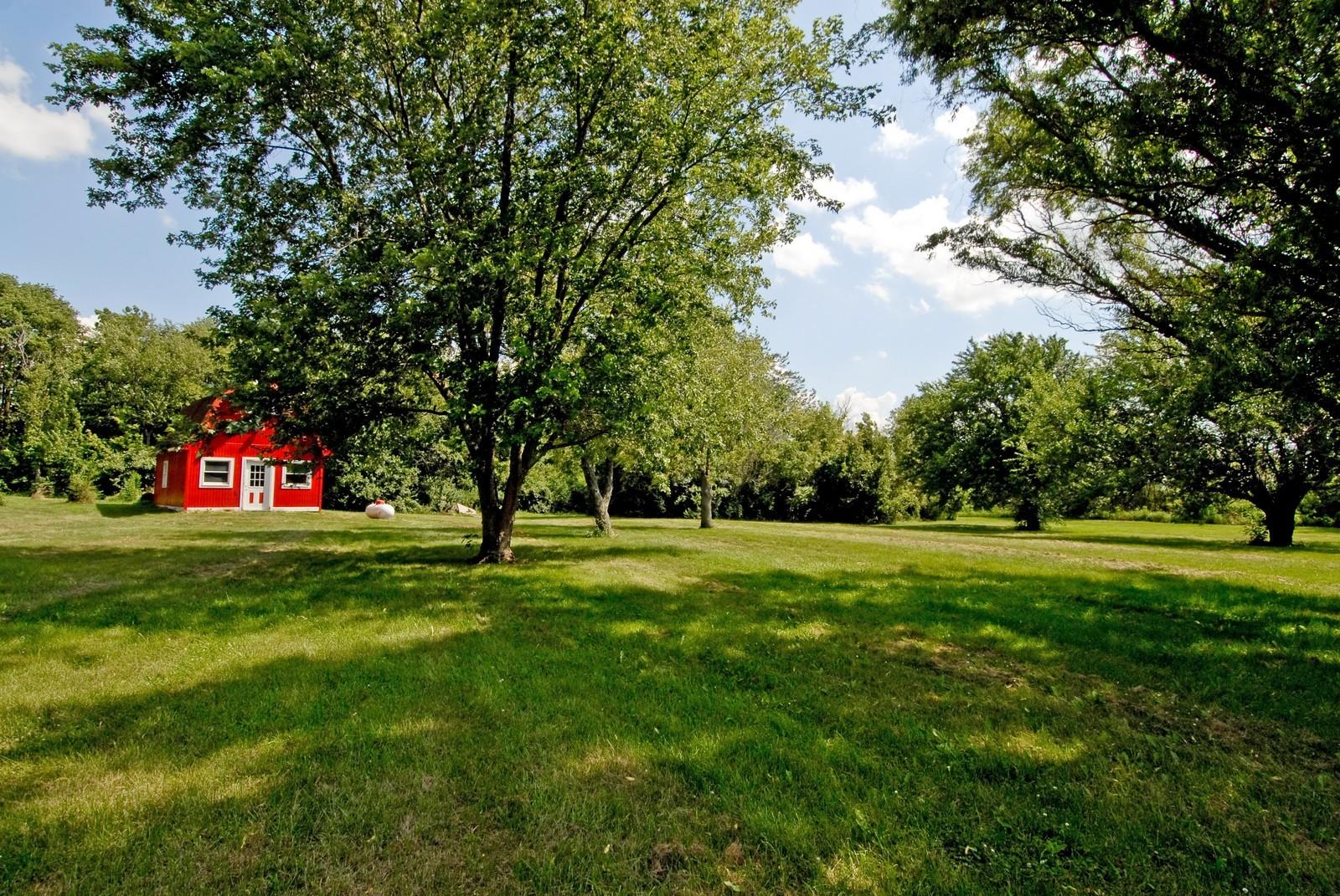 Real Estate Photography - 94 Pletcher Dr, Yorkville, IL, 60560 - Back Yard