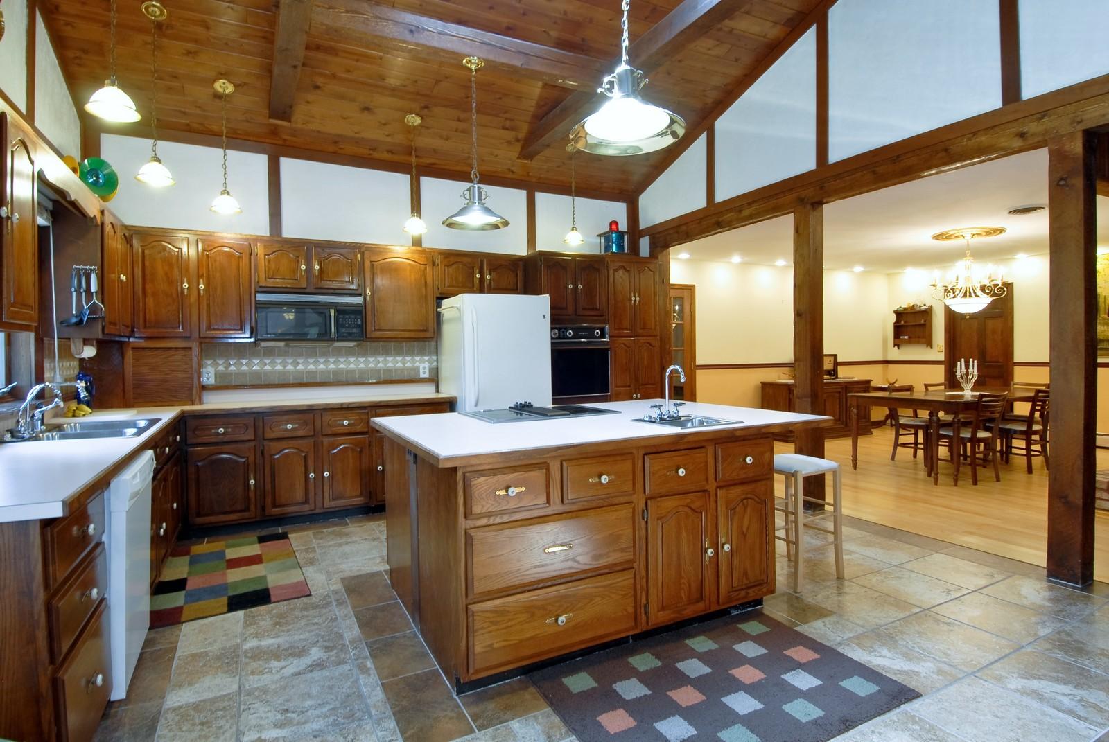 Real Estate Photography - 94 Pletcher Dr, Yorkville, IL, 60560 - Kitchen