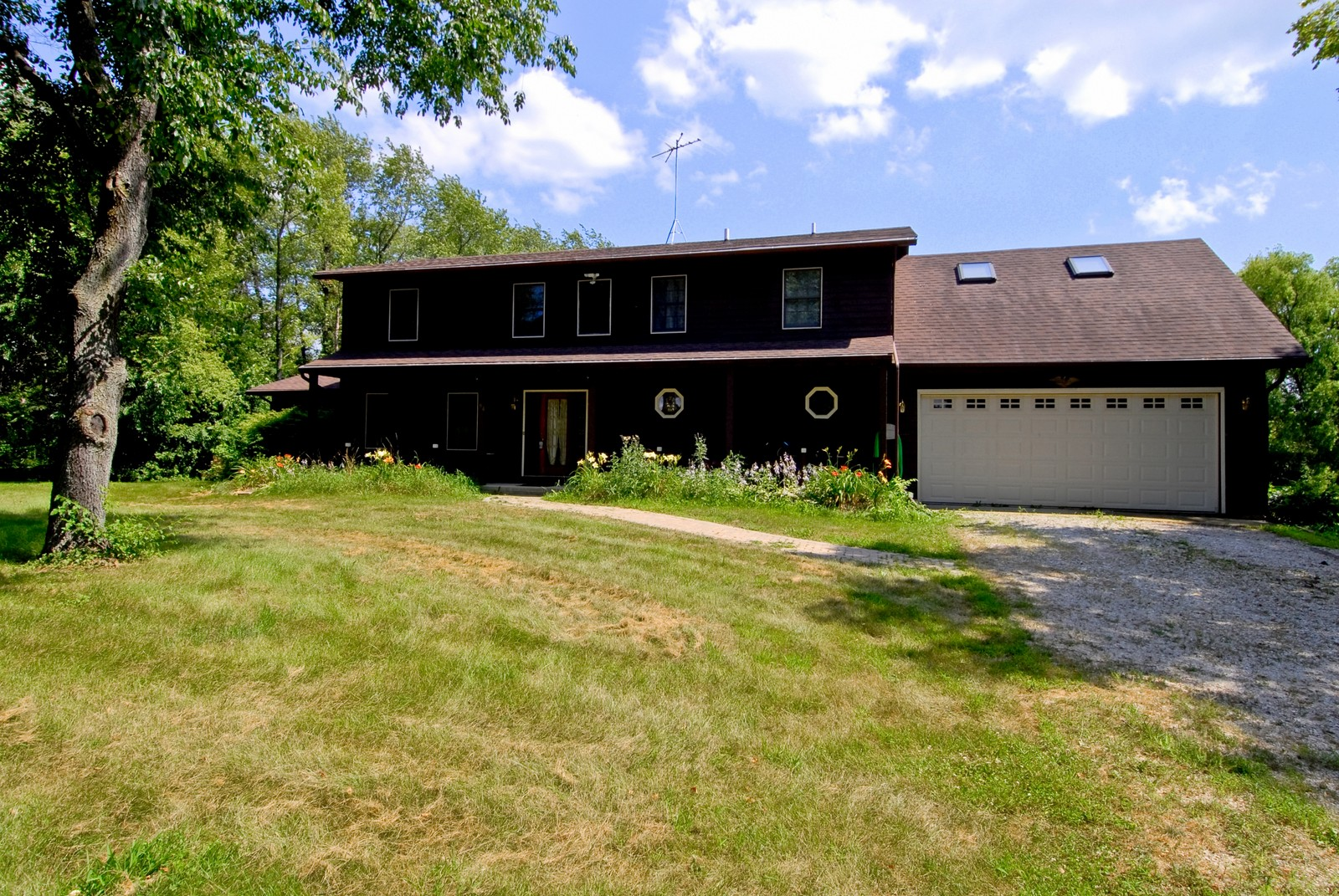 Real Estate Photography - 94 Pletcher Dr, Yorkville, IL, 60560 - Front View
