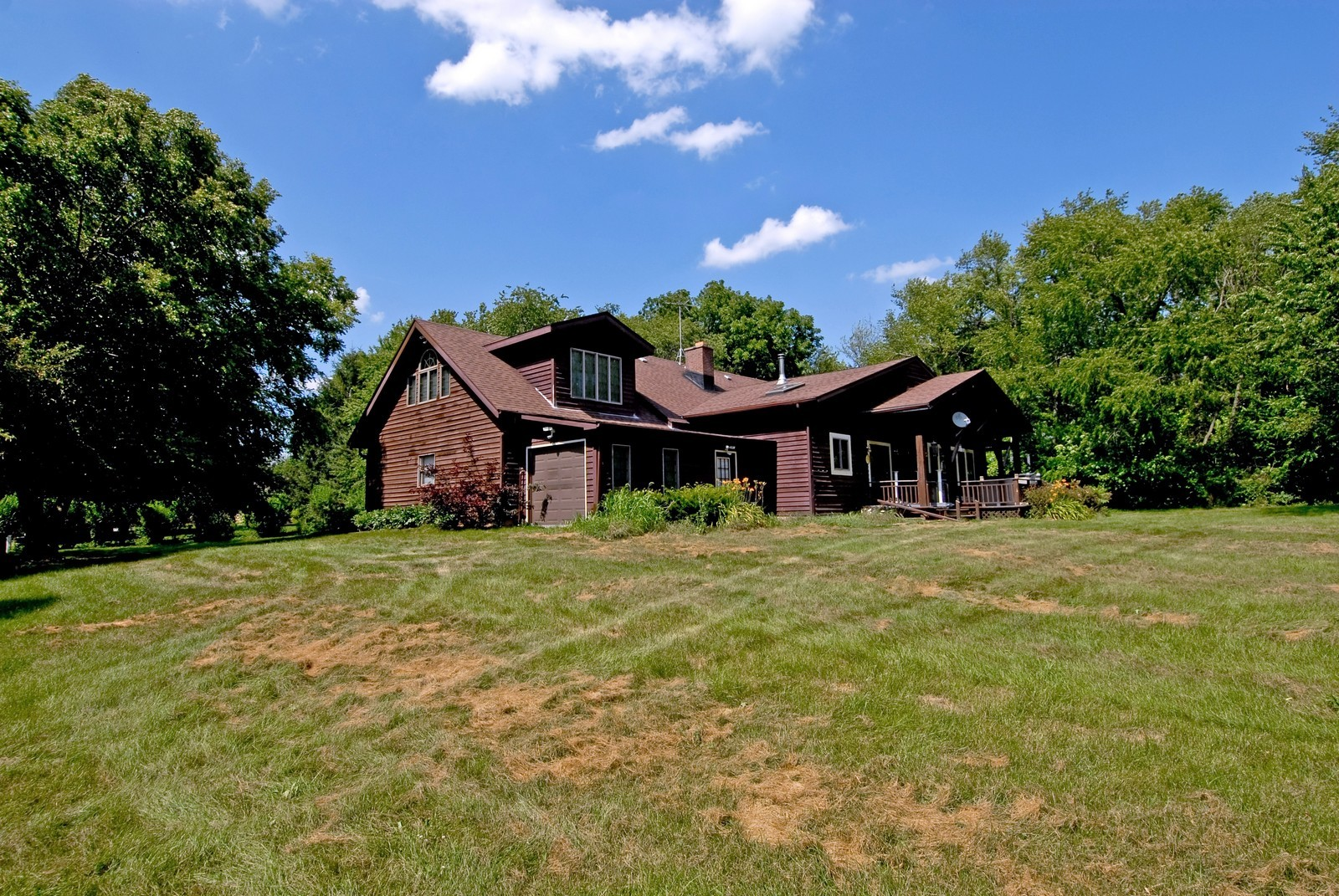 Real Estate Photography - 94 Pletcher Dr, Yorkville, IL, 60560 - Rear View