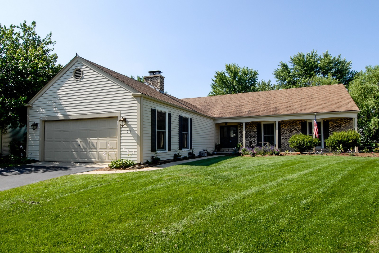 Real Estate Photography - 256 Canidae Ct, St Charles, IL, 60174 - Front View