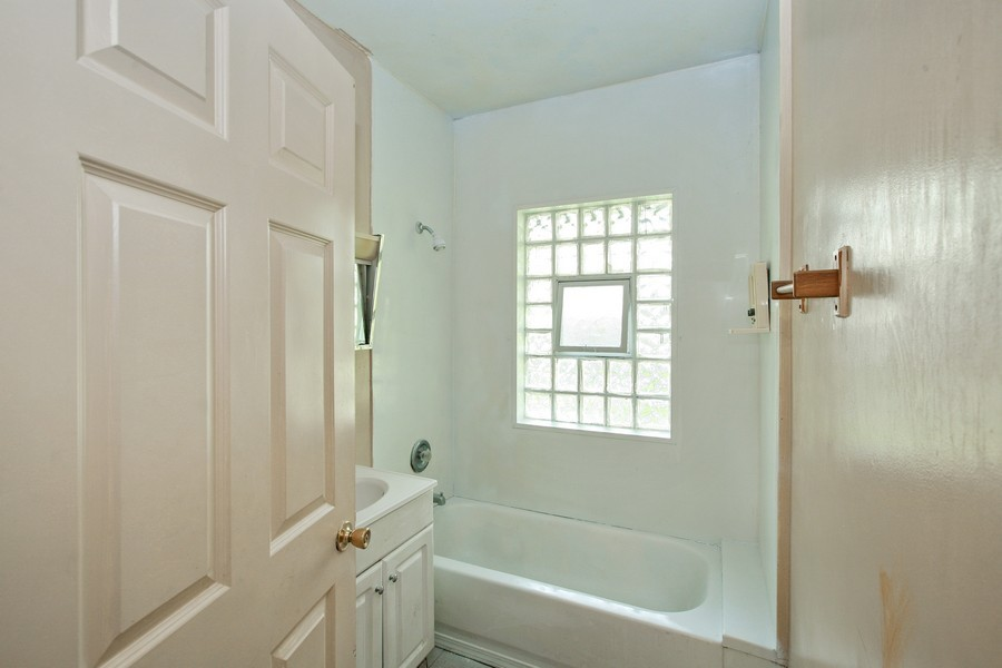 Real Estate Photography - 253 E Terra Cotta Ave, Crystal Lake, IL, 60014 - Bathroom