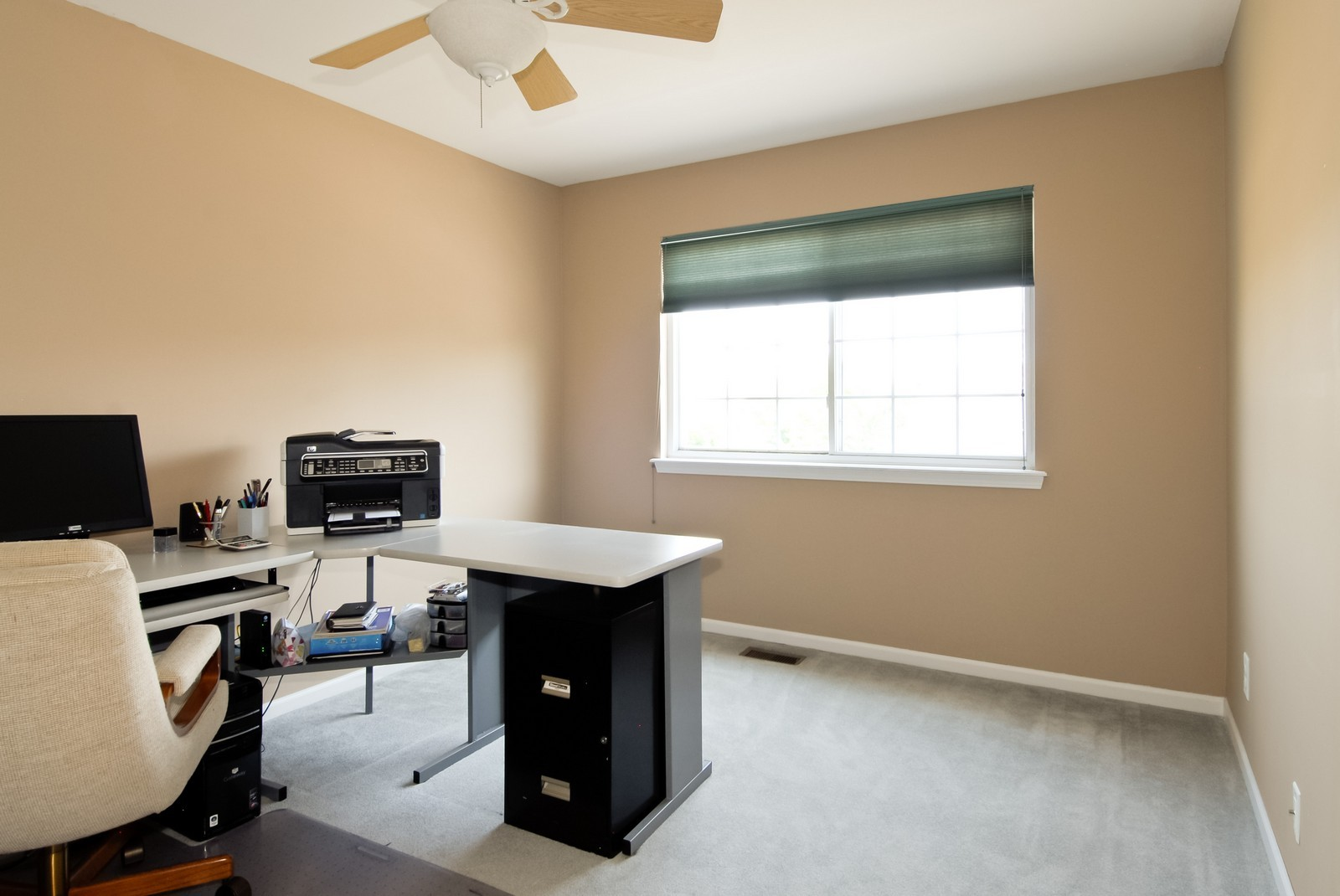 Real Estate Photography - 1616 Abington Ln, North Aurora, IL, 60542 - 3rd Bedroom