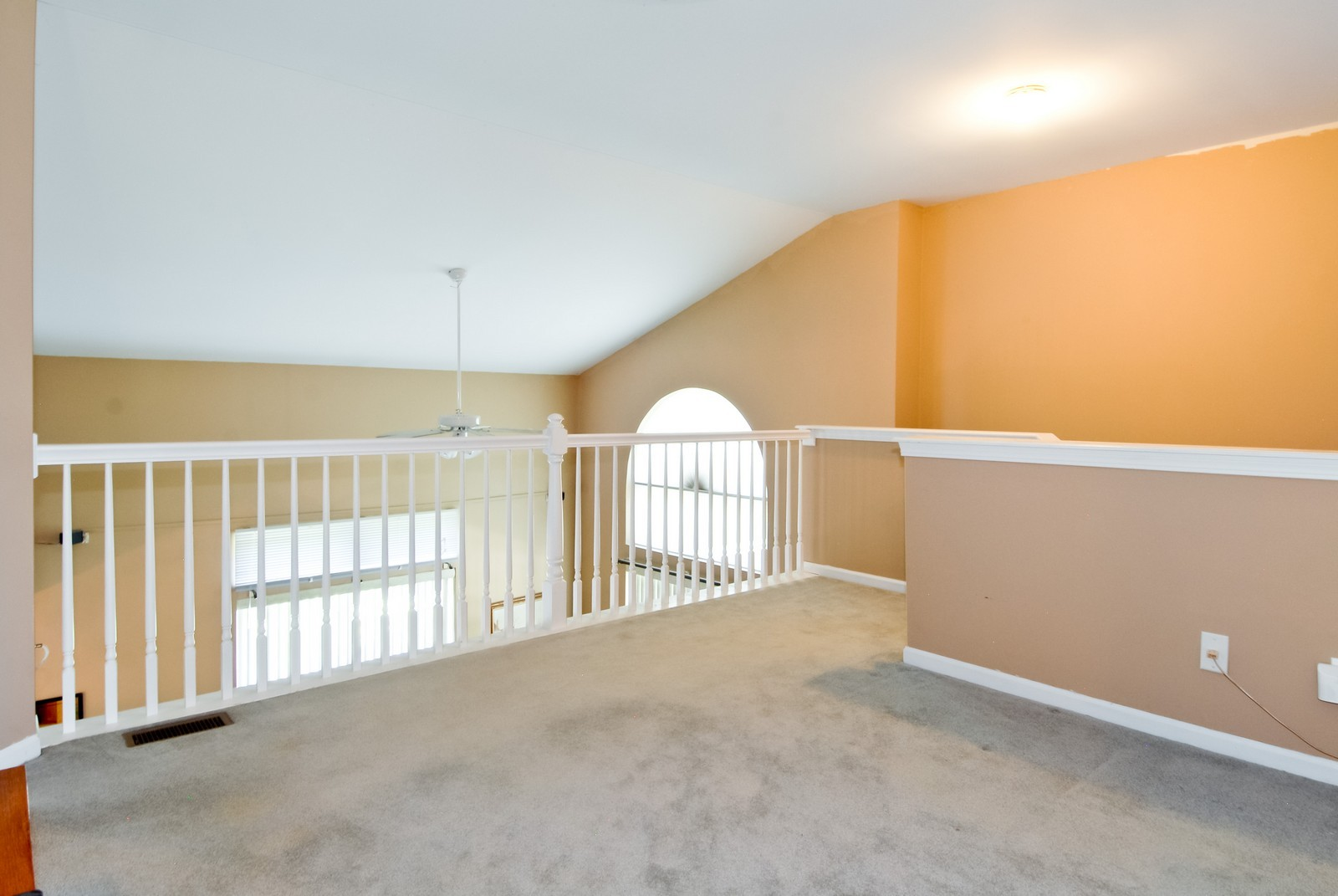 Real Estate Photography - 1616 Abington Ln, North Aurora, IL, 60542 - Loft