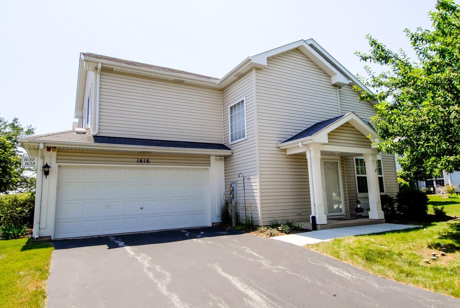 Real Estate Photography - 1616 Abington Ln, North Aurora, IL, 60542 - Front View