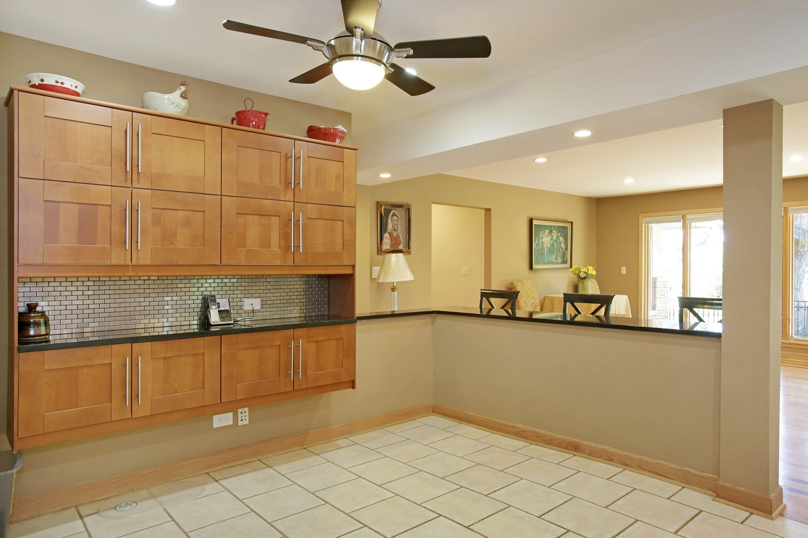 Real Estate Photography - 4107 Washington St, Downers Grove, IL, 60515 - Breakfast Area