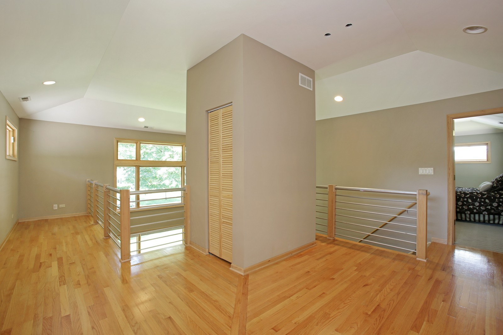 Real Estate Photography - 4107 Washington St, Downers Grove, IL, 60515 - Loft