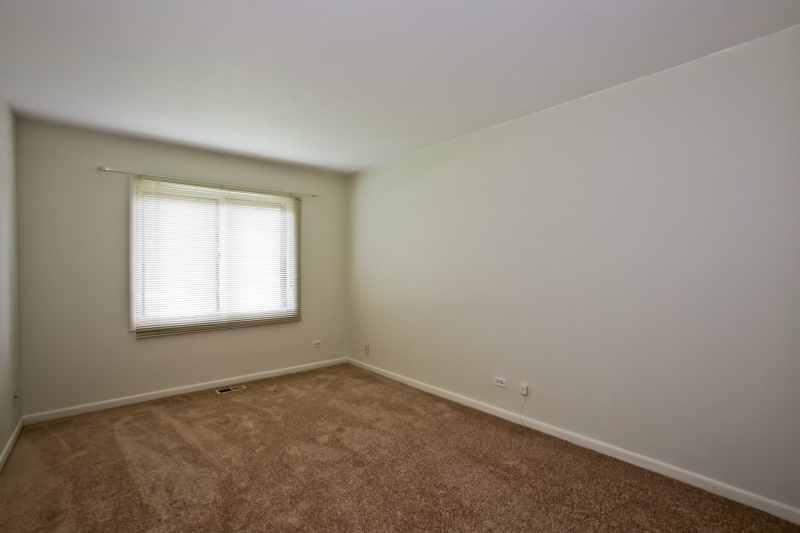 Real Estate Photography - 2811 Hobson Rd, Unit 3, Woodridge, IL, 60517 - Bedroom