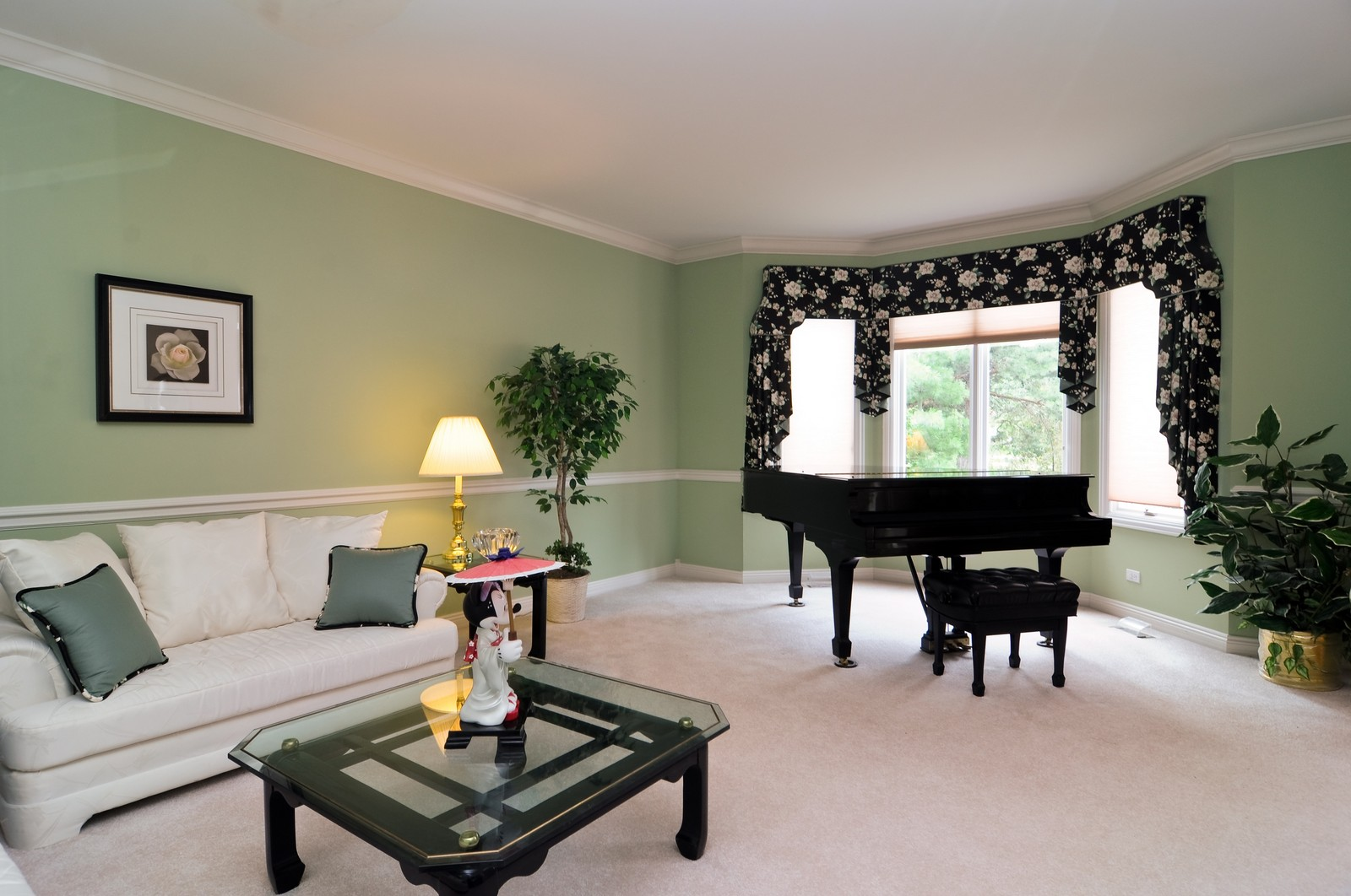 Real Estate Photography - 1026 Oakland Dr, Barrington, IL, 60010 - Living Room